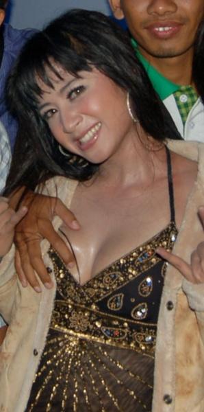 foto artis telanjang, artis bugil, artis seksi, artis indonesia, foto artis